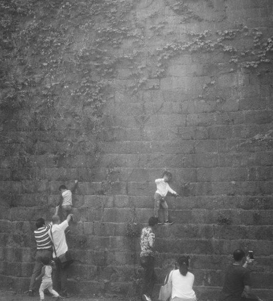 【The Grand Mansion Gate】从老七家大女儿的精神病史浅谈95后的抗压能力